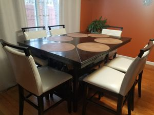 Contemporary Dining Room Set for Sale in Middlesex, NJ