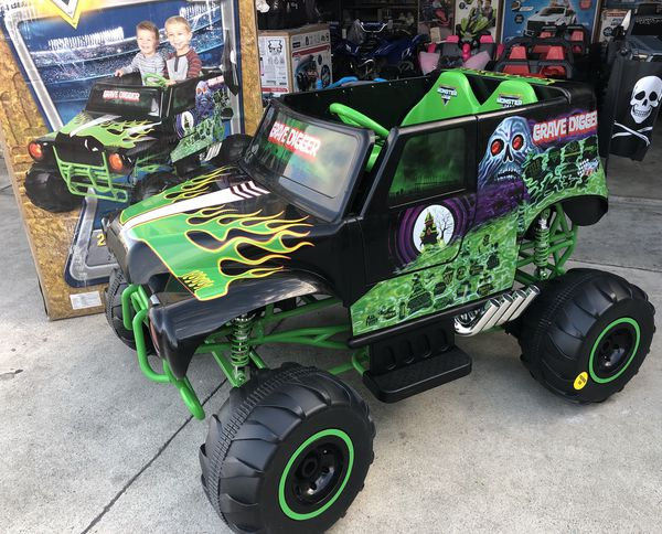 BRAND NEW Grave Digger 24volt electric kids ride on cars ...