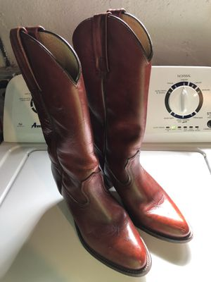 Women's boots - size 8 for Sale in McKnight, PA