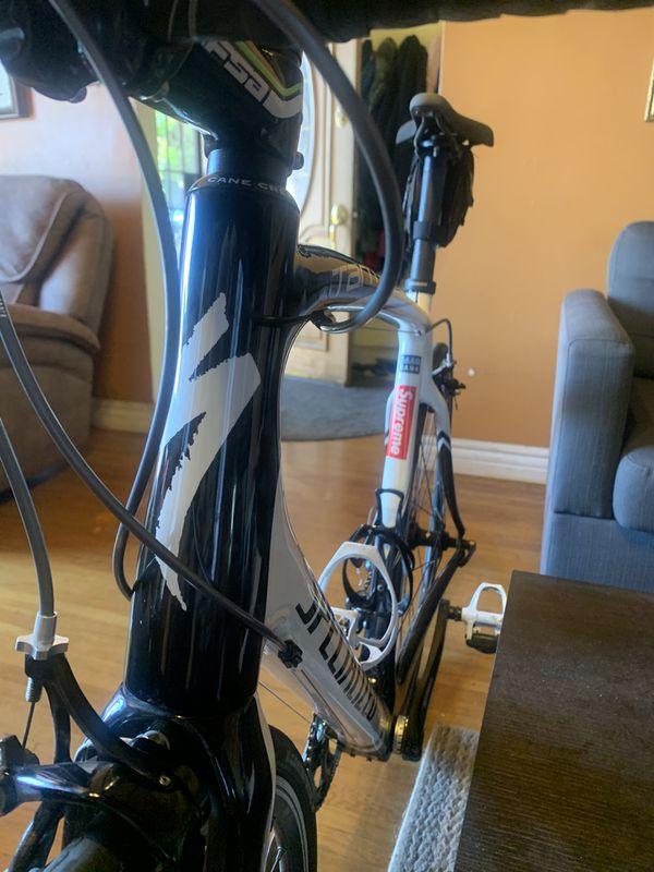 Specialized Tarmac Road Bike 56