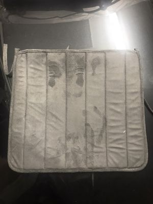 6 chair cushions for Sale in Chicago, IL