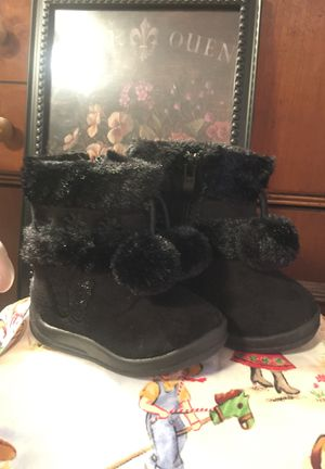 "New"" little girls winter boots suede faux fur zip side cute pompoms size4 for Sale in Northfield, OH"