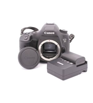 Canon EOS 5D Mark III with 28-105 lens and 85mm lens for Sale in Falls Church, VA