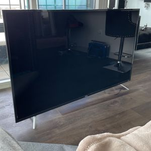 """TCL 65"""" Class 4K UHD LED Roku Smart TV HDR 4 Series 65S421 for Sale in Frisco, TX"""
