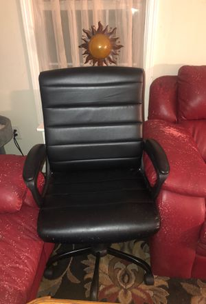 swivel computer chair. for Sale in Randleman, NC