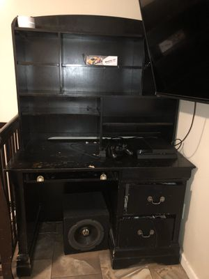 FREE DESK for Sale in Daly City, CA