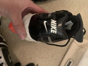Nike baseball cleats and matching gloves for Sale in Chandler, AZ