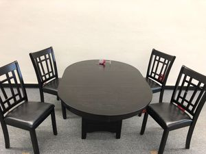 Dining table with 4 chairs and 18' extension for Sale in Florissant, MO