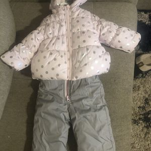 12 Months Snow Outfit for Sale in Manteca, CA