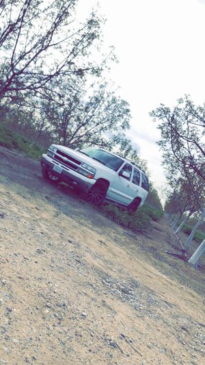 2004 Chevy tahoe for Sale in Dinuba, CA