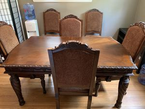 Like New ornate dining room table and 6 chairs seats 4,6,8 for Sale in Columbus, OH