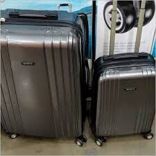 "$90 set of 2 New in box RICARDO 2 pieces blue hardside hard side 28"" and 20"" polycarbonate luggage with spinner wheels for Sale in El Monte, CA"