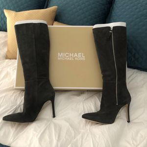 BRAND NEW Michael Kors Gray Suede Boots for Sale in Chicago, IL