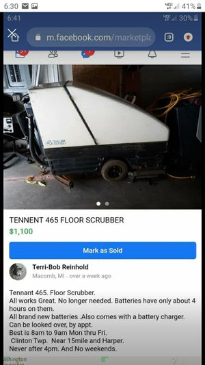 Tennent Floor Scrubber for Sale in Macomb, MI