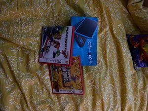 Nintendo 2DS xl console with 2 games for Sale in Chicago, IL