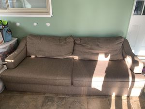 Couch for Sale in Dearborn Heights, MI