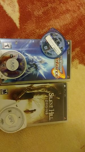 5 psp games for Sale in Lynwood, CA