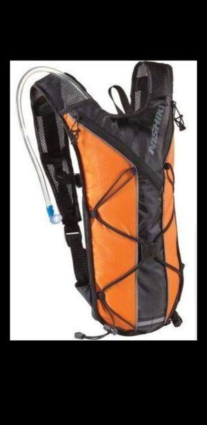 Nishiki oswego 70 oz. Hydration pack hiking backpacking biking for Sale in Pompano Beach, FL