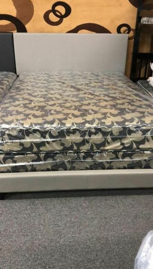 QUEEN BEDFREAM WITH MATTRESS AND BOX SPRING for Sale in Evergreen Park, IL