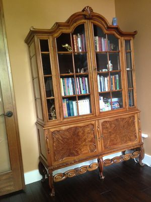 Gorgeous Display cabinet- Book shelf for Sale in Georgetown, TX
