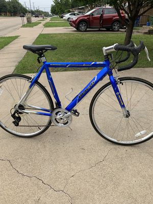 Aluminum Road Bike for Sale in Dallas, TX