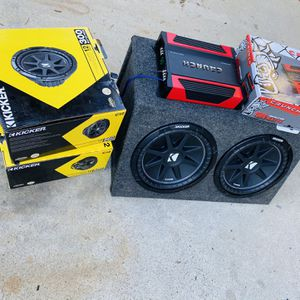 $250 No Less / No Menos / New kickers Comp 12s / New Amp / New Box for Sale in Sanger, CA