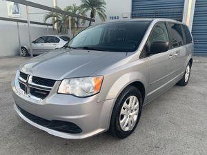 2014 Dodge Grand Caravan SXT for Sale in Miami, FL