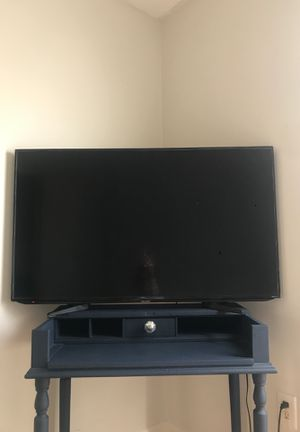 45'' Roku Sharp TV (doesn't function properly) for Sale in GOODLETTSVLLE, TN