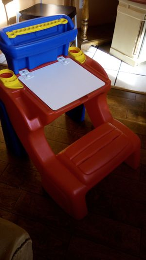 Desk art table/bench combo. Toddlers /young kids for Sale in Lucas, TX