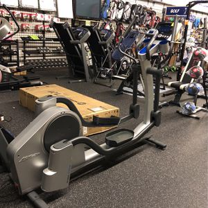 Life Fitness X7 Elliptical for Sale in Renton, WA