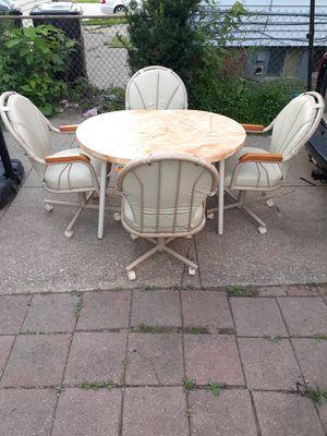 Very niiiiiiiiiice kitchen or dining table $120 FOR for Sale in Cleveland, OH