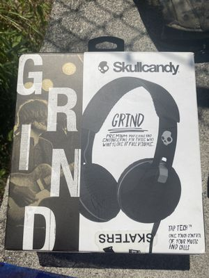 Brand new never used skull candy headphones $25 for Sale in Seattle, WA
