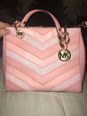 Michael kors pink and gold purse for Sale in Gambrills, MD
