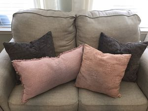 4 Throw Pillows For Home Decor for Sale in Spring, TX