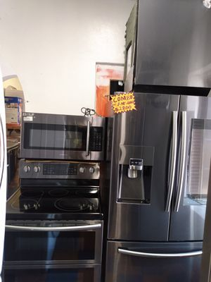 COMBO SAMSUNG BLACK STAINLESS STEEL LIKE NEW CONDITION for Sale in San Clemente, CA
