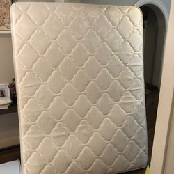 FREE Queen Size Spring Mattress for Sale in Dallas,  TX