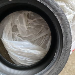 Tires 245/40R19 for Sale in Hinsdale, IL