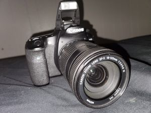 Canon EOS 60D with 18-135mm kit lens for Sale in San Antonio, TX