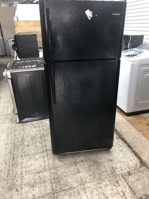 """Frigidaire 30"""" 18 Cu ft Top Freezer Refrigerator for Sale in Philadelphia, PA"""