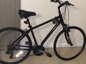 Cannondale adventure three hybrid/comfort bicycle for Sale in Fort Lauderdale, FL