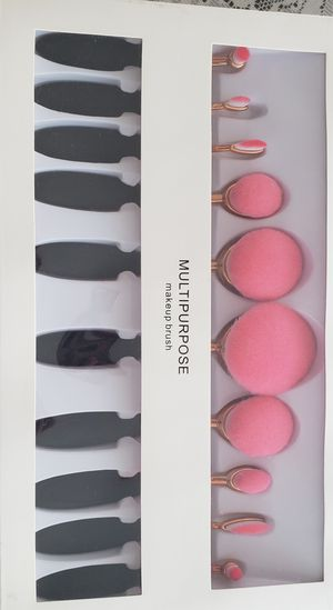 10pcs oval makeup brush set for Sale in Los Angeles, CA