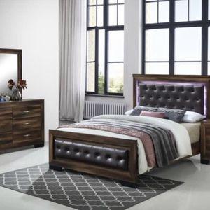 Brand new queen light wooden four piece bedroom set no mattress for Sale in Pompano Beach, FL