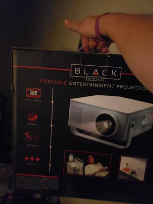 New in box projector for Sale in Fort Wayne, IN