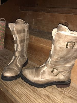 CUTE GIRLS BOOTS NEW OUT IF BOX NEVER WORN SIZE 6 for Sale in Grand Rapids, MI