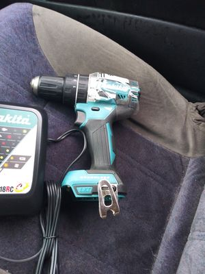 Makita 18 volt cordless drill and charger for Sale in Kenner, LA