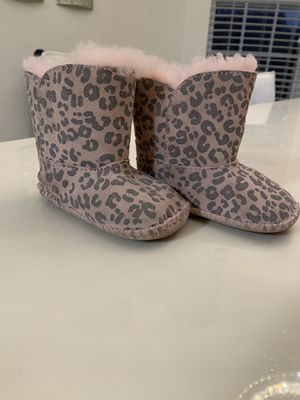 Uggs boots. Toddler girls. Size 4/5 for Sale in Greensboro, NC