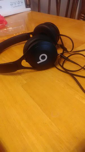 Beats headphones for Sale in Bloomington, IL