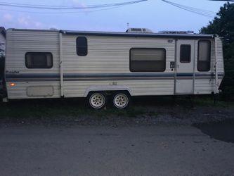 26' lynx prowler bumper pull camper for Sale in Clarksburg,  WV
