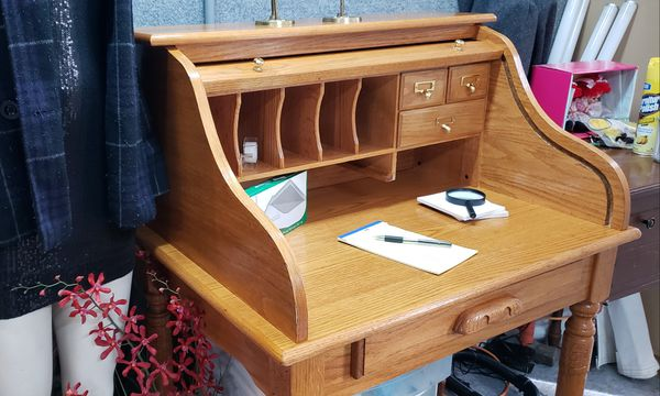 Small Roll Top Desk PENDING