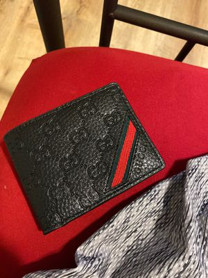Gucci wallet for Sale in Lowell, MA